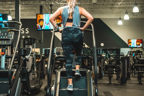 Stairmaster-Cardio-For-Glutes
