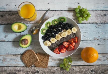 Healthy-Snacks-Fruit-Avocado-Toast